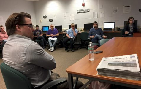 Veteran reporters tell students that journalism is alive and kicking