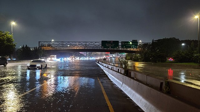 Long+Island+Expressway+Courtesy+of+Wikimedia+Comomons